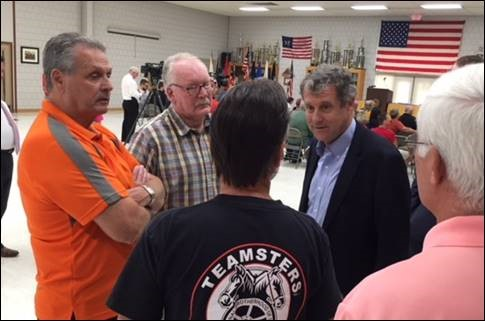 Brown Joins Mahoning Valley Autoworkers as He Leads Legislation to Support Ohio Auto Industry, American Jobs