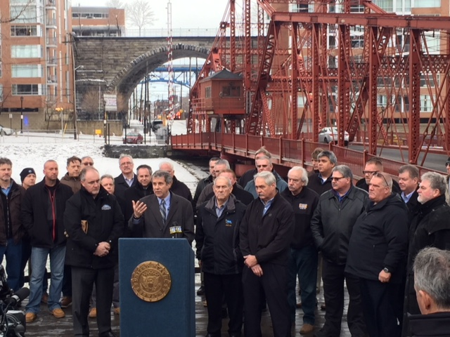 As President Calls For Infrastructure Investment, Senator Brown Outlines Legislation to Update, Repair Ohio Bridges
