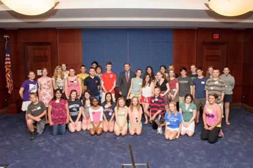 Sen. Brown meets with National History Day Student Finalists