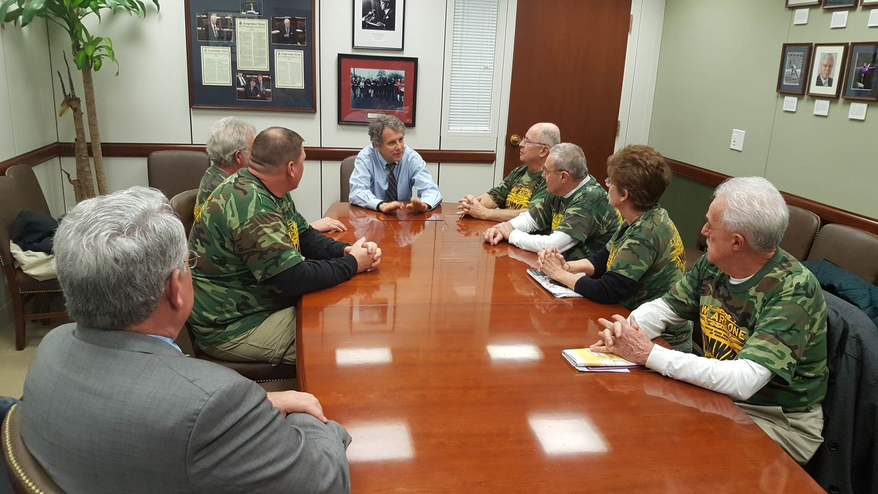 Sen. Brown Meets with Retired Ohio Miners