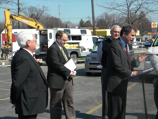 Sen. Brown, Mayor Armstrong Visit Chief Super Market to Outline how ARRA Assists in Water and Sewer Compliance