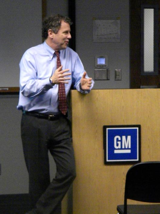 Sen. Brown Visits GM Defiance Plant