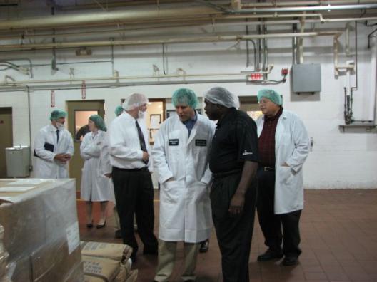 Brown Visits New Horizons Bakery in Norwalk