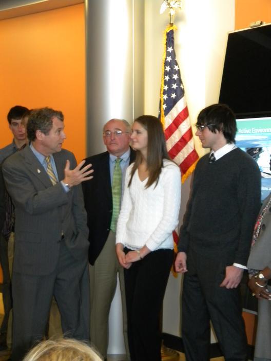 Sen. Brown Visits First Solar in Perrysburg
