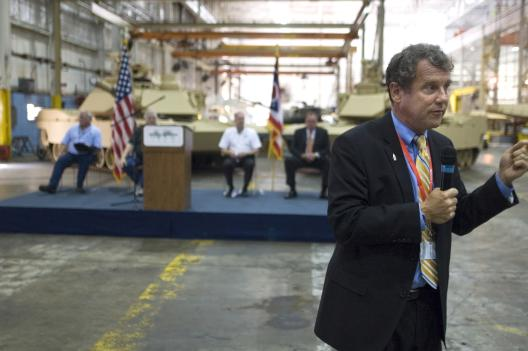 Sen. Brown Visits Lima Tank Plant