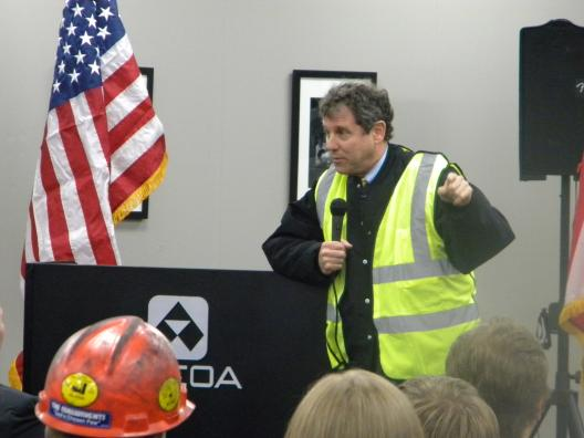 Sen. Brown Visits Alcoa Forged & Cast Products