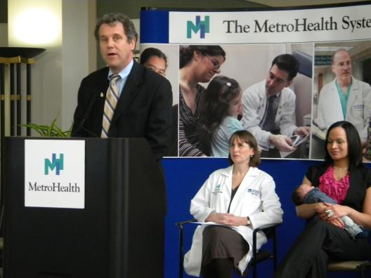 Sen. Brown joins obstetricians and new mother to push for affordable medications