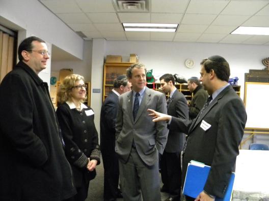 Sen. Brown visits the Fuchs Mizrachi School
