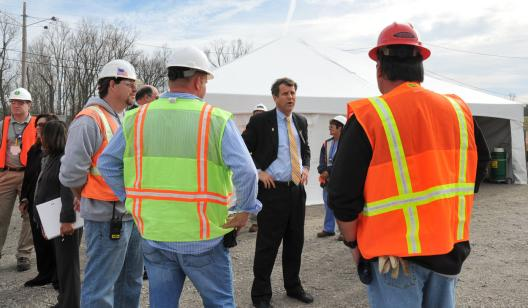 Sen. Brown visits a Portsmouth ARRA Project