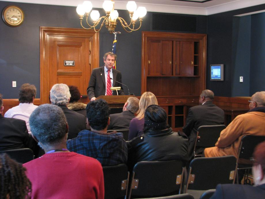 Speaking to American Federation of Government Employees