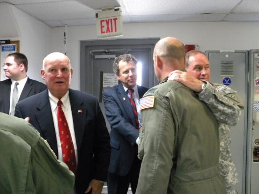 Sen. Brown visits with members of the Ohio National Guard