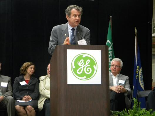 Sen. Brown Visits GE Lamp Plant in Bucyrus to Celebrate 130 New Jobs
