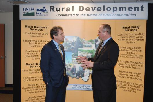 Senator Brown Meets with the new USDA Secretary in Ohio