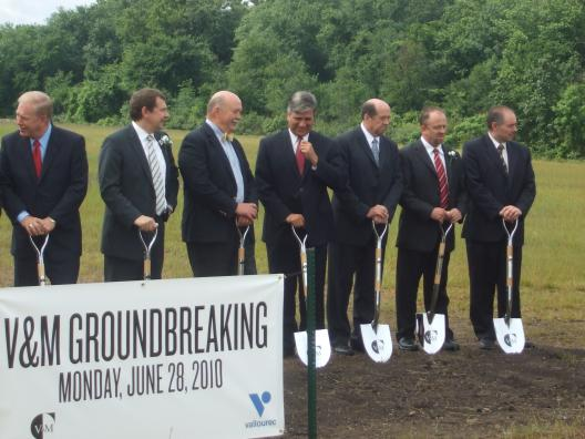 Sen. Brown at the V&M Star Groundbreaking