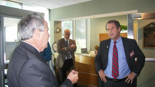 Sen. Brown Visits Leading Energy Materials Manufacturer In Parma