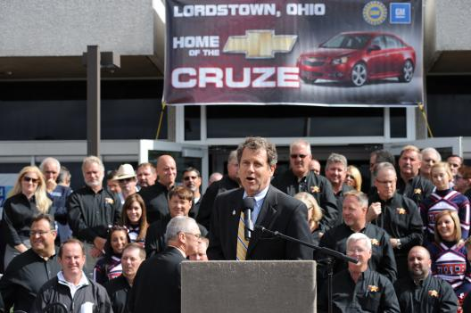 At Lordstown Plant, Sen. Brown Celebrates First Chevy Cruze