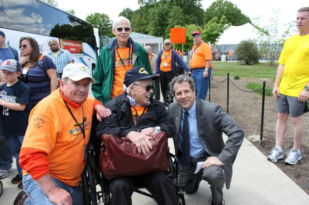 Sen. Brown Meets Honor Flight Veterans from Northwest Ohio