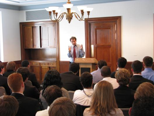 Senator Brown speaks to Congressional Interns in DC